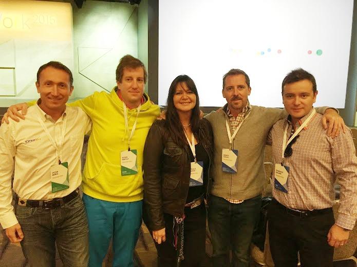 De Izquierda a derecha: Víctor Muñoz, Gerente Regional, Oliver Hartley, Gerente de Tecnología, Nathalie Massis, Customer Care Manager, Andrés Cargill, CEO y Francisco Quijano, Google Business Manager.